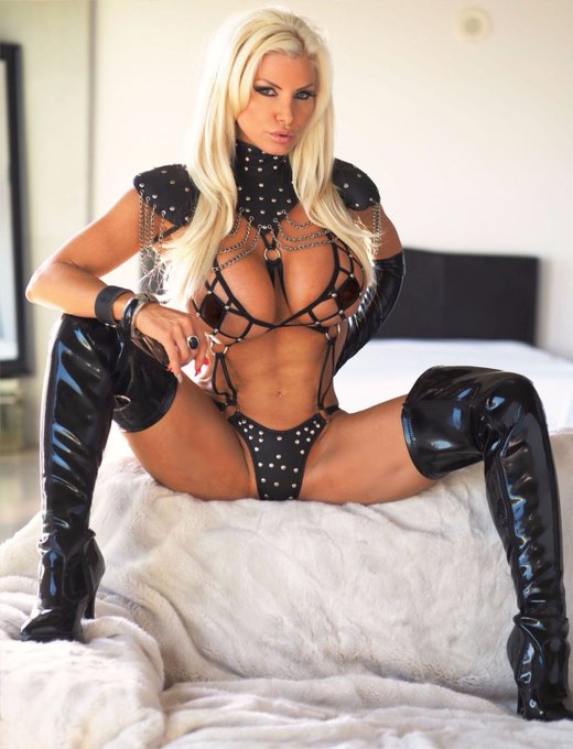 Check Out My Page Now on IWantClips - https://t.co/KPCXrZoxOC via @iWantClips https://t.co/JhoeOcggK