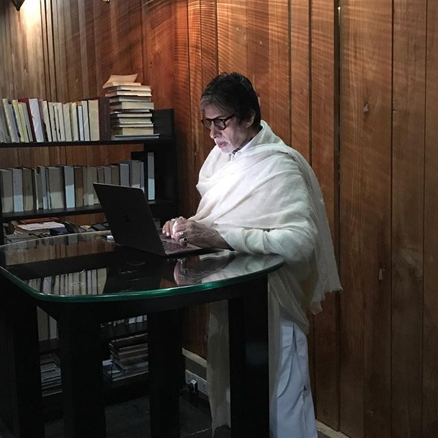 @SrBachchan IF A FOLLOWER FRIEND WHO IS FOLLOWED BY AMITABH AND FOLLOWS ME WANTS TO RETWEET MY TWITTER I WOULD BE GRATEFUL .... TO SEE IF AMITABH NOTES ME TO ME..🧡🧡🧡🧡🧡🥰🥰🥰🥰🥰🥰🥰😍😍😍😍😍😍😍😍😍😍😍😍😍