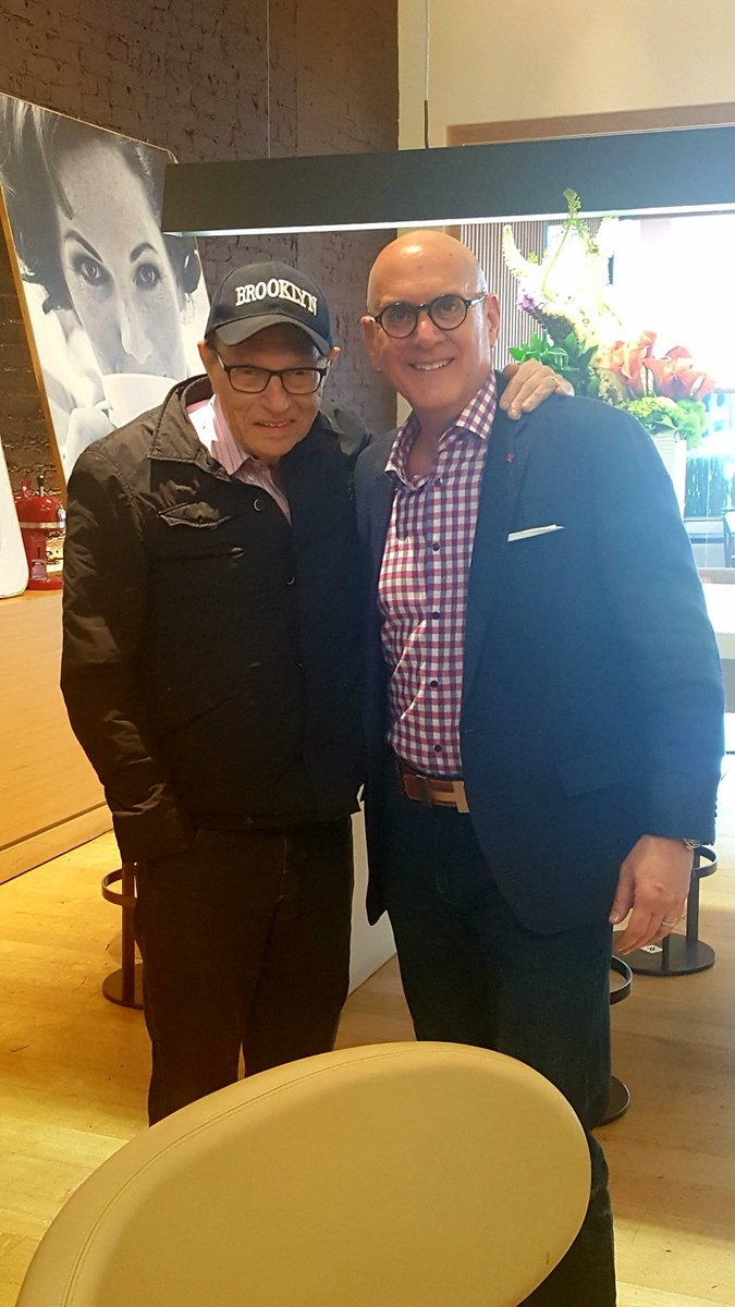 This is such a sad day for me and my family along with the entire world. To call ⁦@kingsthings⁩ a dear friend has been a true honor and a privilege. I loved and will miss him very much. RIP💔 #friend #legend #real #downtoearth #honor #privilege #memories #breakfastwithaking