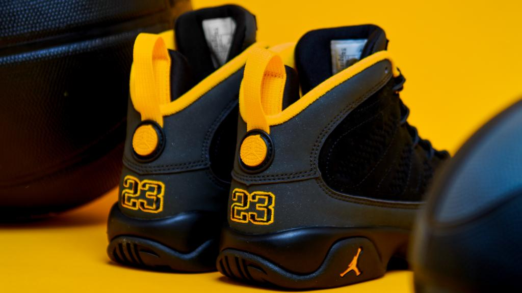 🏆 🏆 #Jordan Retro 9 launches January 30th online & in-store. Is it a cop or drop?