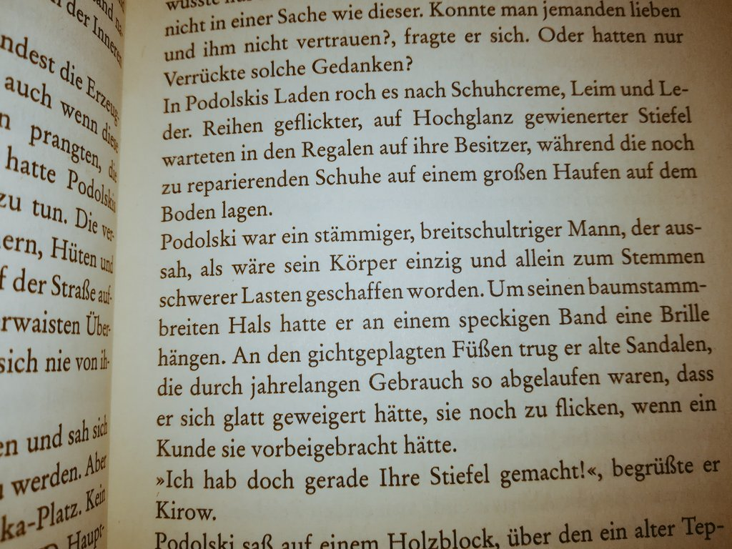 Ach der #Poldi Business kann er auf jeden Fall.  #effzeh #Podolski #lesenbildet  @lp10 @Podolski10 https://t.co/sL5GRGQcUE