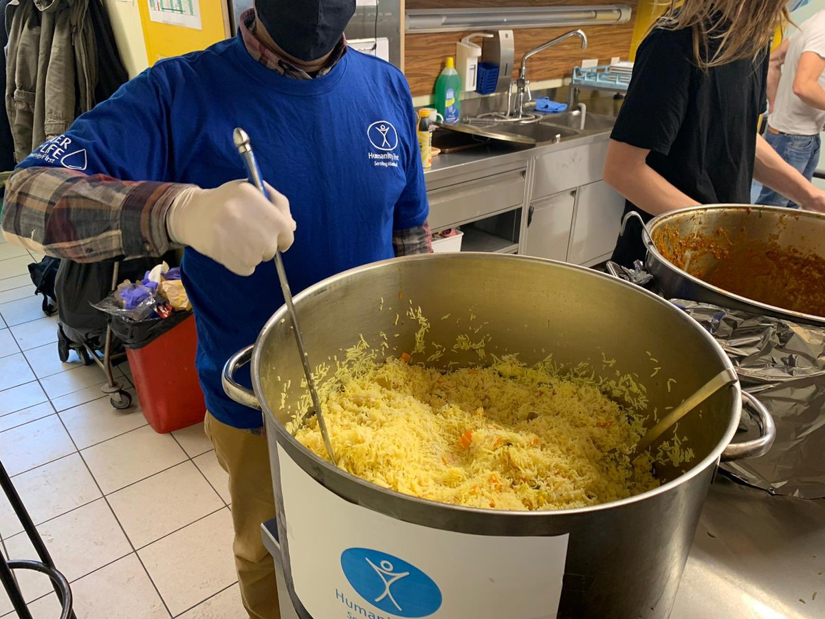 RT @HFI1995: Thank you to the many #volunteers cooking for #homeless people https://t.co/I0e0ewBUHH