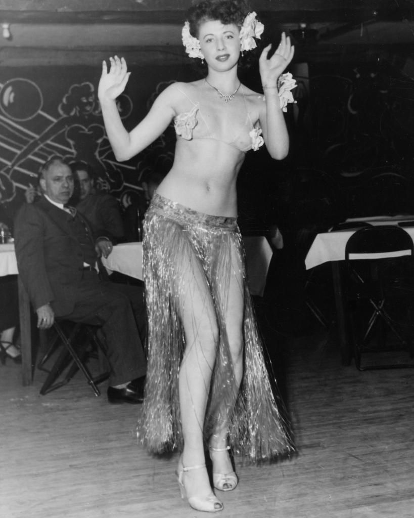 BHoF celebrates Lilly Ann Rose on her birthday! Born Lillian Brown in 1933, Lilly was an active performer in the 40's and 50's and penned a memoir - Banned in Boston: Memoirs of a Stripper in 2002.🎂 #bhof #lillyannrose #burlesque