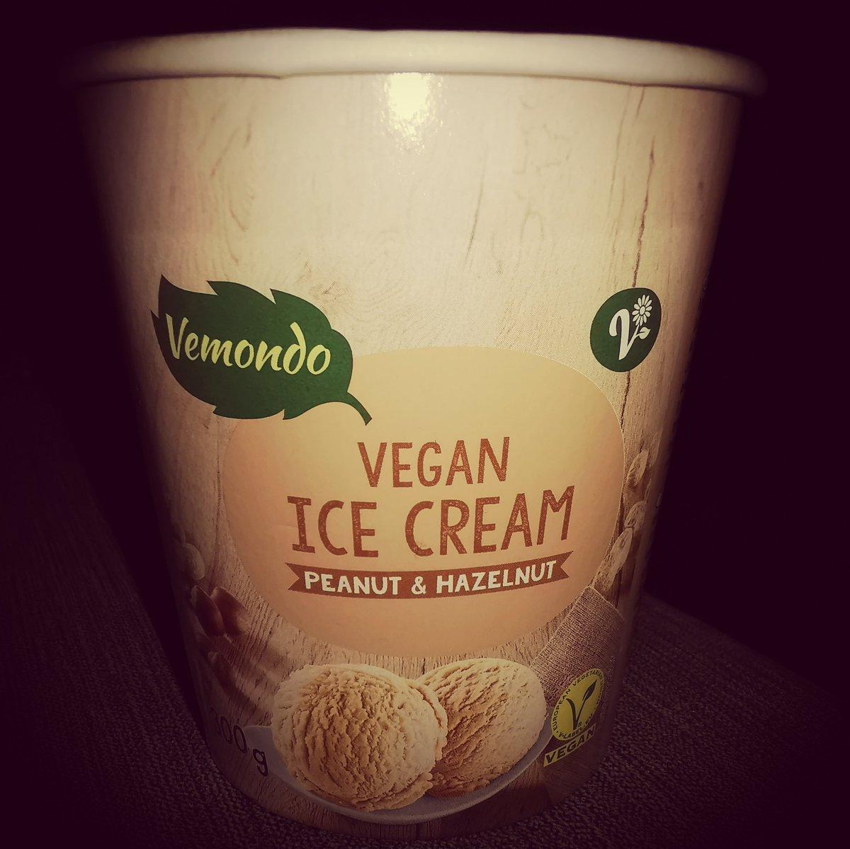 Oooooooppsss ate the whole tub on my own. Bloody delicious though 😋  #SaturdayVibes #Veganuary #SaturdayNight