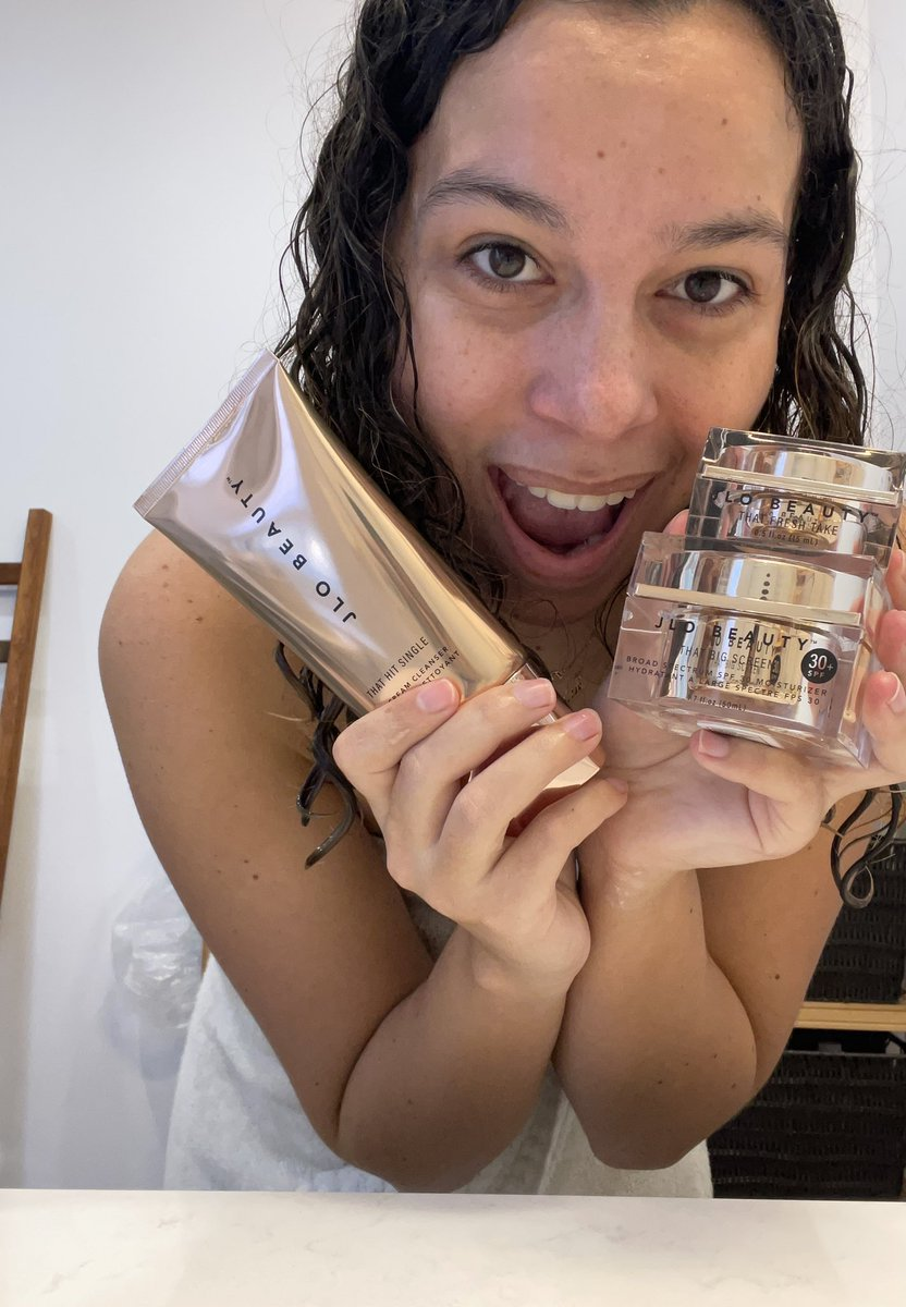 I seriously can't get over how smooth my face feels from using @jlobeauty for the first time this morning and now we having a streaming party with @JLo in honor of #JLo20thAnniversary 😍😍 yesss I'm having a great Saturday✨✨ #JLOBEAUTY #ImReal