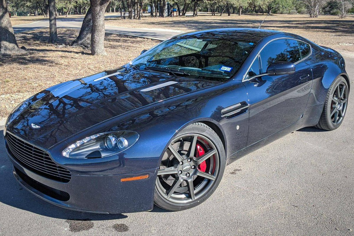 Doug Demuro On Twitter Here S A Gem On Carsandbids 2007 Aston V8 Vantage With A 6 Speed Manual And A Fantastically Interesting Color Combo And It S Offered With No Reserve Check It
