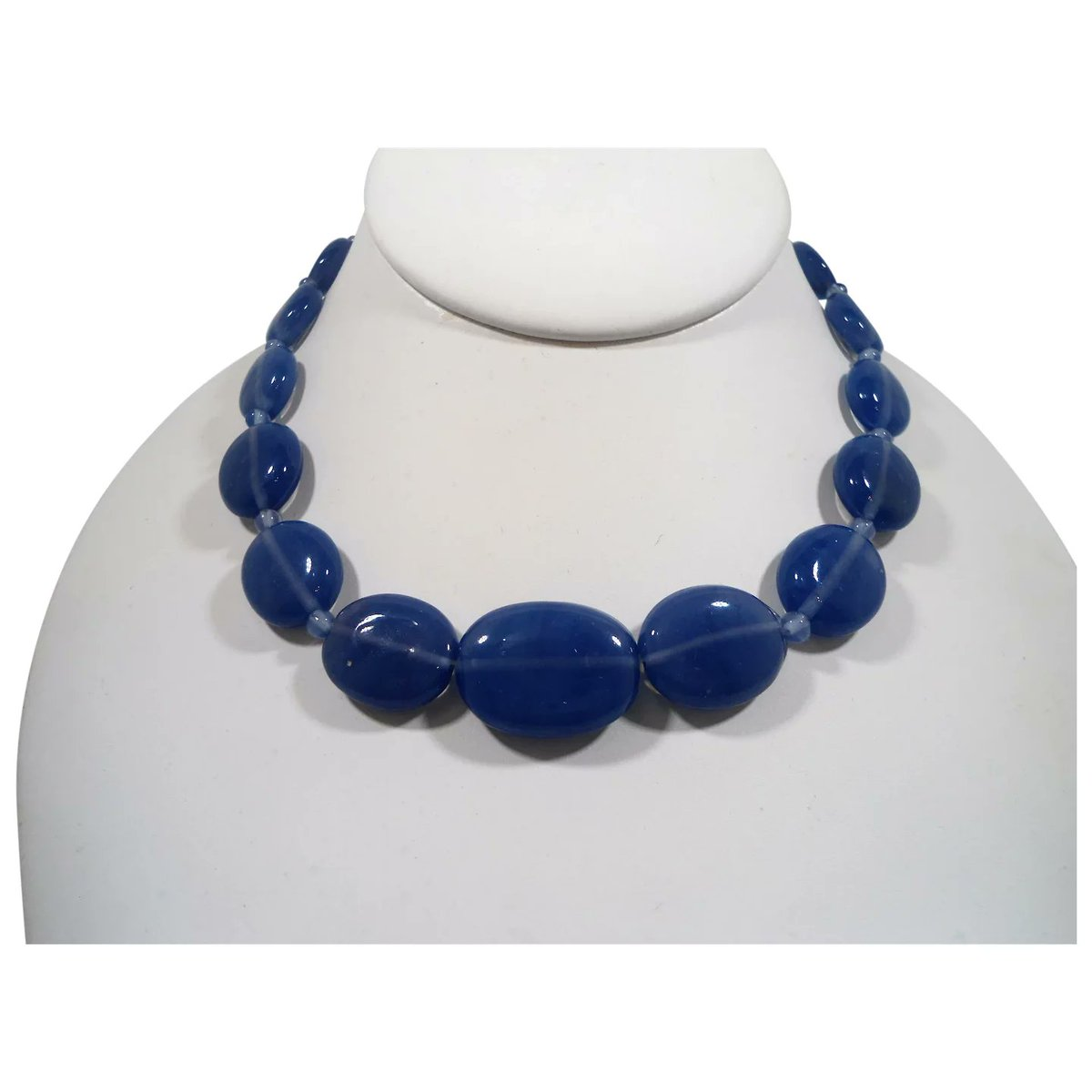 Blue Oval Shaped Glass Beaded Choker Necklace #rubylane #vintage #jewelry #glass #beads #necklace #giftideas #treatmyself #treatyourself #fashionista #givevintage