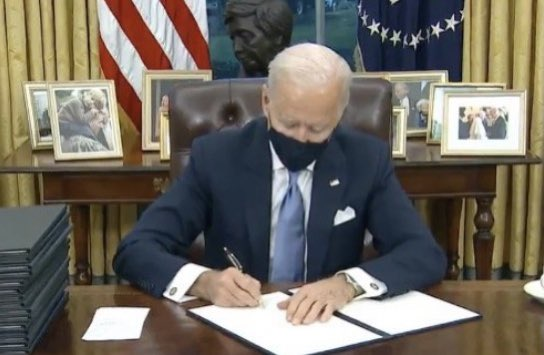 Soulless people pushed a demented man through a presidential election and now they're playing puppeteer. I bet he doesn't even know what he's signing. Sad. #POTUS #ovaloffice #Biden #doomed #Welcome2021