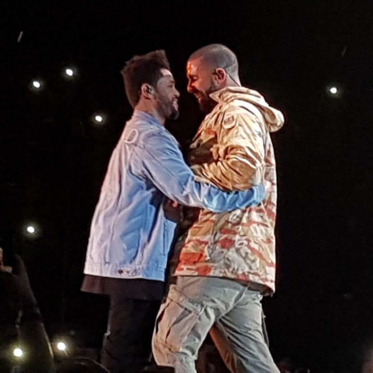 I know The Weeknd was beating Drake shit up that night