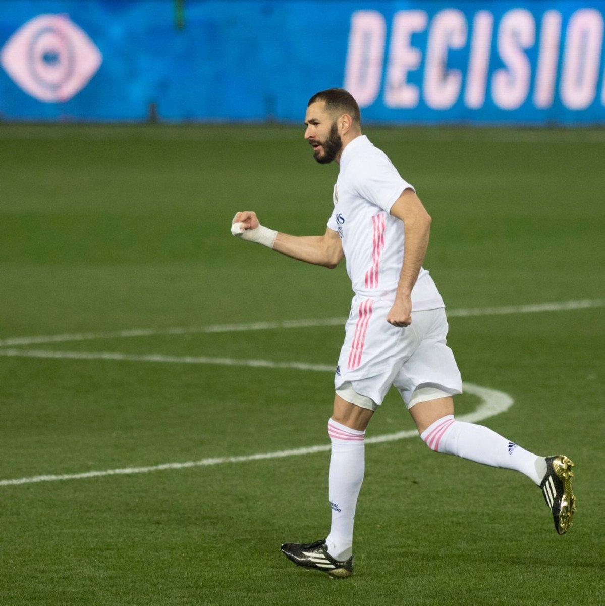 🔵Alaves 0 | 2 Real Madrid⚪️ Golazo ⚽️ de Benzema , por la escuadra! 👏 #RMLiga #AlavesRealMadrid  #RMFans #realfootball #HalaMadrid