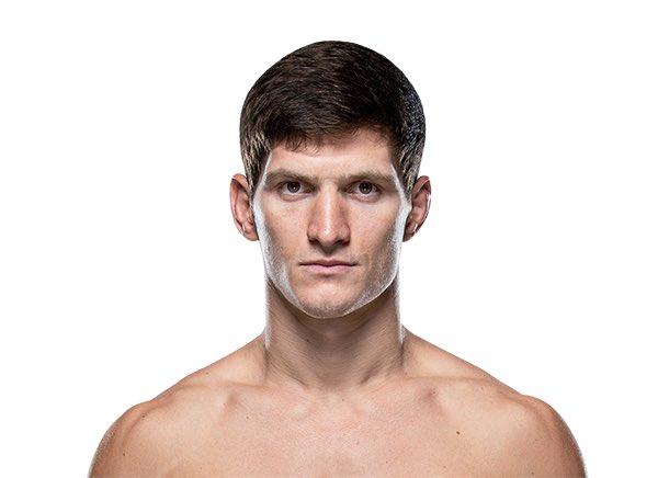 """🇷🇺  - الروسي """"موفزار ايفلويف"""" بسجل (١٣) انتصار نظيف بدون أي خسارة في حياته ، بوزن الريشة وبطل سابق بمنظمة (M1) الروسية ولديه (٣) نزالات سابقة بالـUFC وانتصر بها جميعها ..  - اسم قادم وقوي لوزن الريشة (١٤٥) باوند ...  #UFC257"""