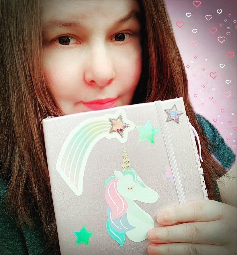 #Journaltime is always the fun time of day right?! I love weekends ! 💗✨ . . . . . .  #Puremi  #youtuber  #Vlogger  #MichiganVlogger #Relaxing 💞 #instapic #bestoftheday #myselfie #saturyay #weekendvibes✌️ #saturdayselfie📷 #unicorns #iloveunicorns
