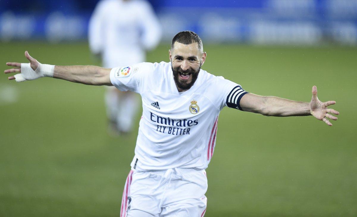 👕 17 ⚽ 10 Double figures in La Liga for Karim Benzema this season