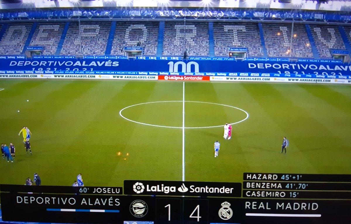 Después de una semana para olvidar(ser eliminados para la #SupercopaDeEspaña y de la #CopaDelRey ante un equipo de 3ra) y que Zidane se enfermó de #covid19, volvió a ganar el Real Madrid. La víctima fue el Alaves q perdió en casa 1-4. #LaLiga