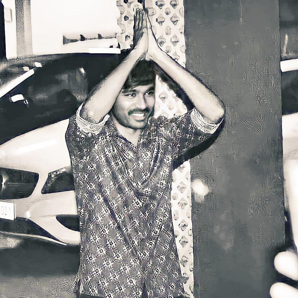 Good morning🌞 everyone. Our handsome hunk thalaiva👑 #Dhanush 's welcome style. Waiting for #JagameThandhiram update. #Karnan #D43 #NaaneVaruven #AtrangiRe @dhanushkraja