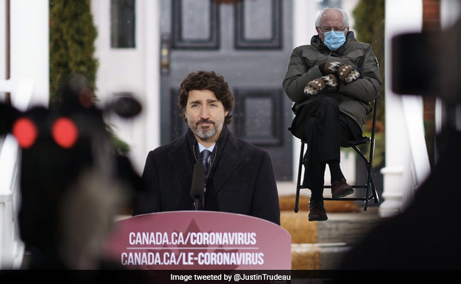 Replying to @ndtvfeed: Justin Trudeau Co-Opts Bernie Sanders Meme To Urge Canadians To Stay Home