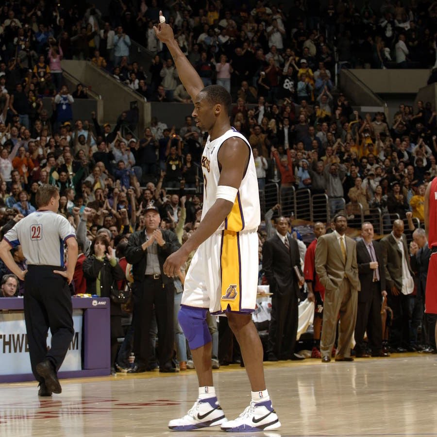 @CBSSports Kobe Bryant's 81 points with a dislocated index finger on his shooting hand a recovering knee. #greatness