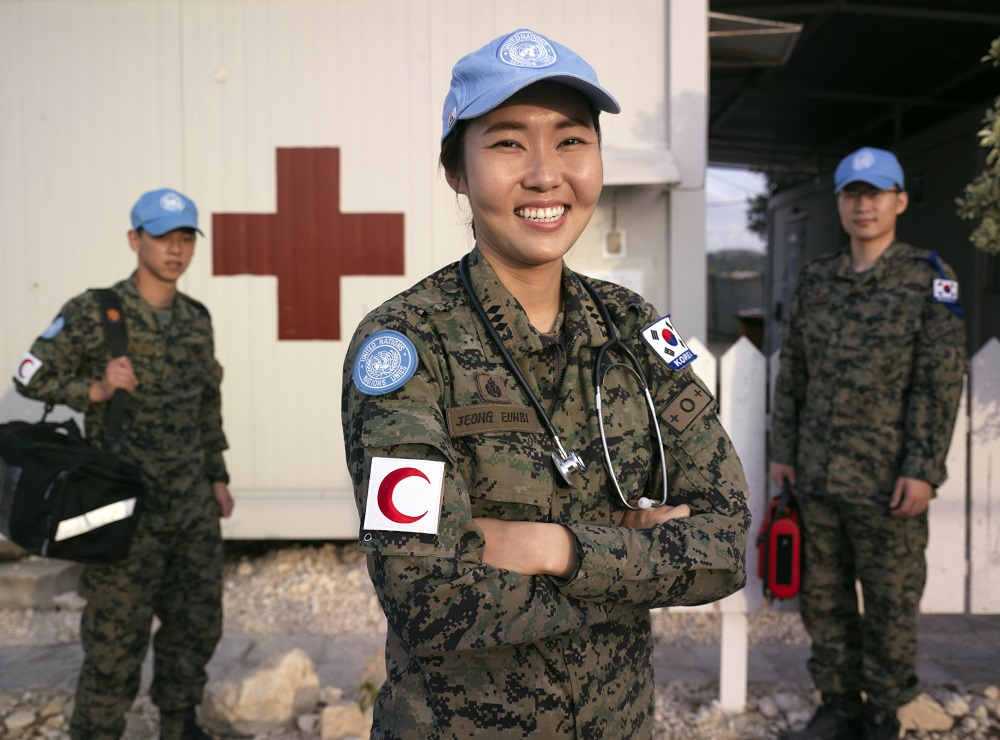 Past peacekeeping operations have shown that the more diverse operations are, and the more they reflect the populations we serve, the better we're able to build trust with host populations & implement our mandates.  More #womeninpeacekeeping are 🔑 to peace. #WomenPeaceSecurity