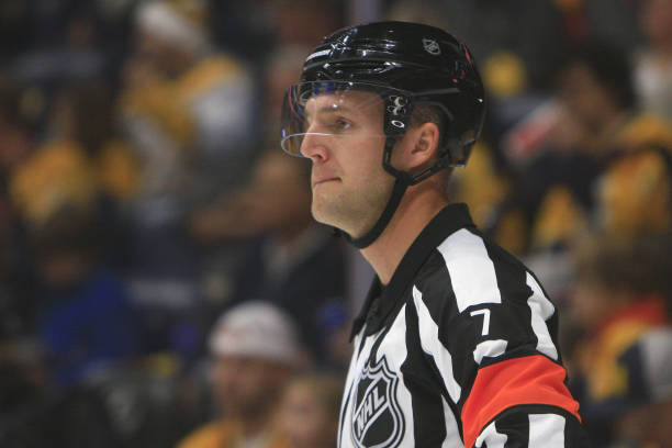Refs for @NHLFlyers @NHLBruins are Garrett Rank #7 and TJ Luxmore #21. Tonight's officials:   #PHI #BOS #PHIvsBOS #AnytimeAnywhere #NHLBruins #Flyers #Bruins