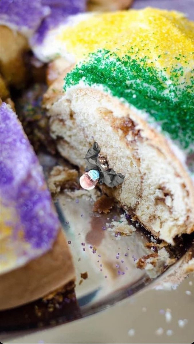 Replying to @papatedstruck: Get Stache'd with our Vegan King Cake.