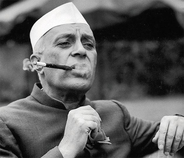 @Swamy39 Declassified Documents reveal Nehru Govt shared information on Netaji's family with MI5 (Hindustan Times) 💥🌟