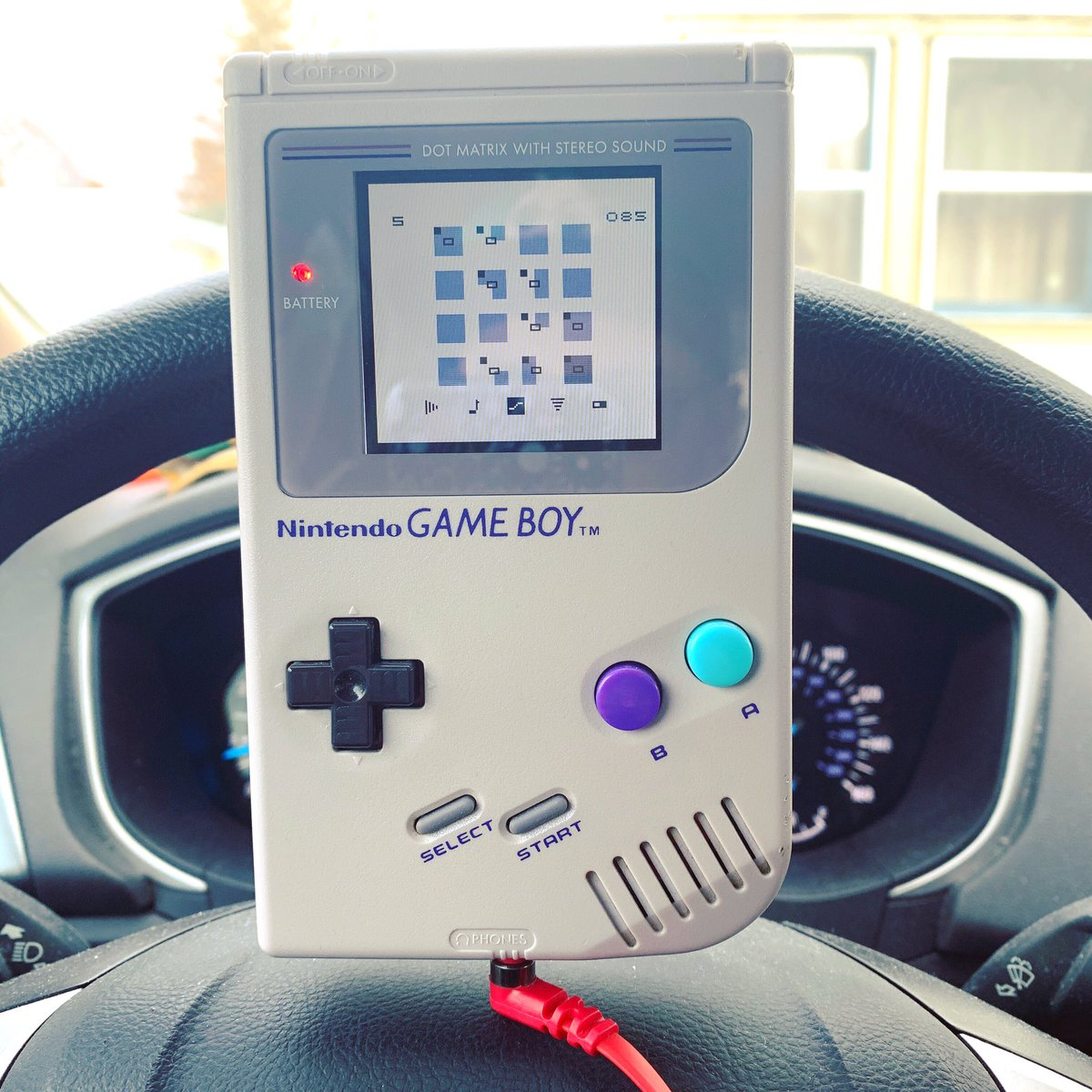 making gameboy beats in the whip... aka waiting for boop outside the eye doctor 🍔🍟🍕🥙🌮🌯🥗 . . . . . . #heady #kush #lofi #vibes #rad #dank #vaporwave #aesthetic #wavy #af #lsdj #8bit #synth #op1 #nanoloop #synthesizer #synthwave #retrowave #chill #me #qotd #dreampop #gameboy