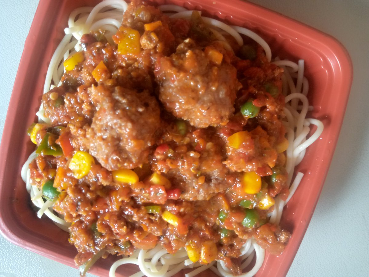 Bolognese with meatballs .all the way,,,#food #foodie #gordonram #DrinkResponsibly #davido #WizkidFCHL #culinarycompetition #culinary #HellsKitchen #ChefsForAmerica #cheflife #chef #EatTheRich #Donjazzy #lagoscontinentalhotel #homemade #sisyemie