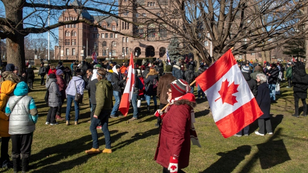 10 people arrested following anti-lockdown protests in downtown Toronto