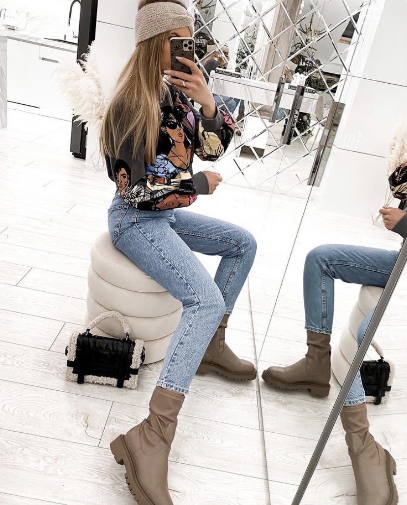 @zara Sweatshirt: 1131/305/807 Jeans: 8197 232 400  #outfitinspiration #inspiration #beautiful #ootd #fashion #zaraoutfit #zarawoman #zarafashion #jeans #hose #pant #fashionblogger #sweater #pullover #hype #style #stylish #styleblogger #mode #outfit #streetfashion #fashionlover