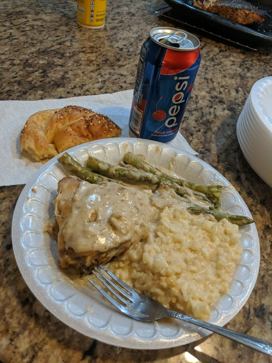 My mom made some Rosotto and some baked chicken. #Vibez