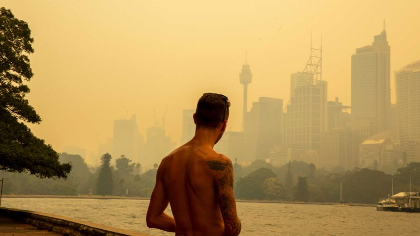 Heatwaves may mean Sydney is too hot for people to live in 'within decades' https://t.co/Nw0yrFRGQS https://t.co/FrA3U3Zd5k