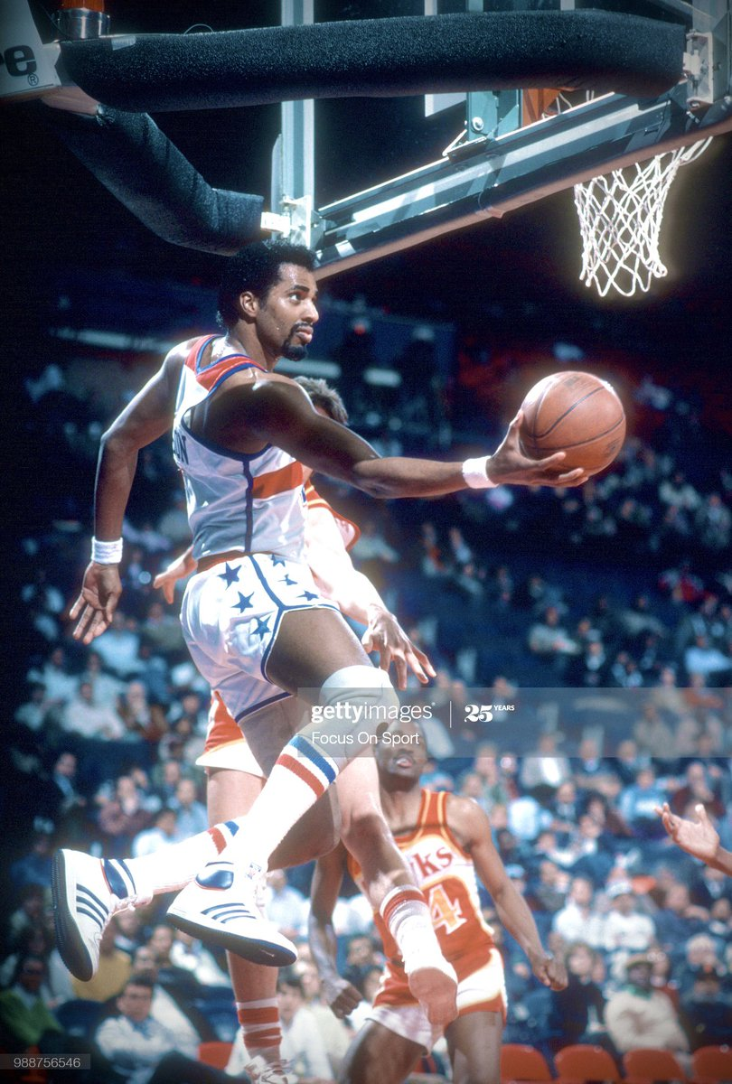 I'm fairly certain Cliff Robinson never looked cooler in a photo than he does in this one.