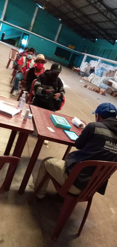 En el municipio de Santa Catarina Ixtahuacan se realiza entrega de 100 raciones más de alimentos, correspondientes al Decreto 12-2020, para atención a personas afectadas por la #COVID-19. #JuntosSaldremosAdelante