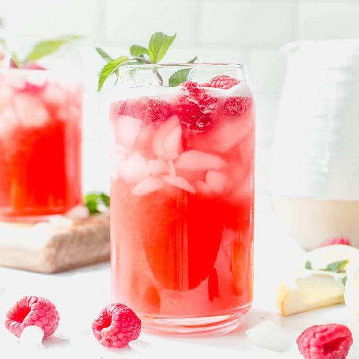 🍓 🍋 Who likes RASPBERRY & LEMONADE? Check out this Raspberry Lemonade Ketones Drink!  #keto #ketorecipe #ketones #diy #ketotips #UK #USA #Canada #Europe #lemonade