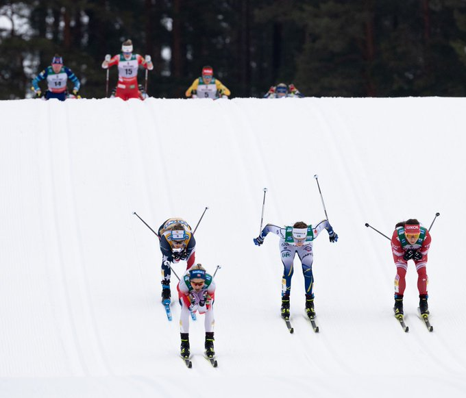 Skiing tracks are ready for women!🤩 Which team will win?...
