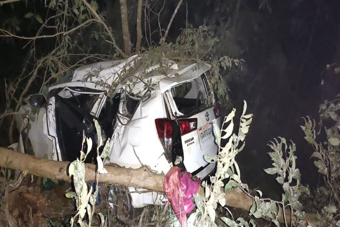 https://t.co/C2BoTFcOSR MOVIE MOOD, Union Minister Shripad Naik Critical, Wife Succumbs In Road Mishap   https://t.co/0sDPIAeOnY https://t.co/TQw3y5vD18