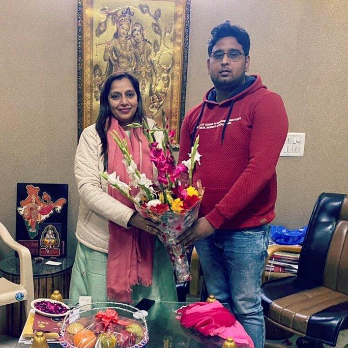 पूर्व महापौर एवं निगम पार्षदा श्रीमती @PreetyAgarwaal जी को जन्मदिन की हार्दिक शुभकामनाएं एवं बधाई।💐💐🎂💐💐  #hbd