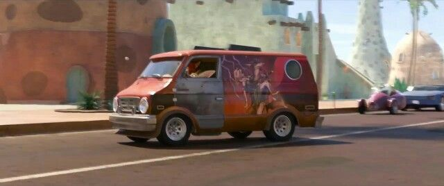 2 pic. Hear me out, This van, with Yiff art on the side, Like in zootopia https://t.co/lThbNa2ORT