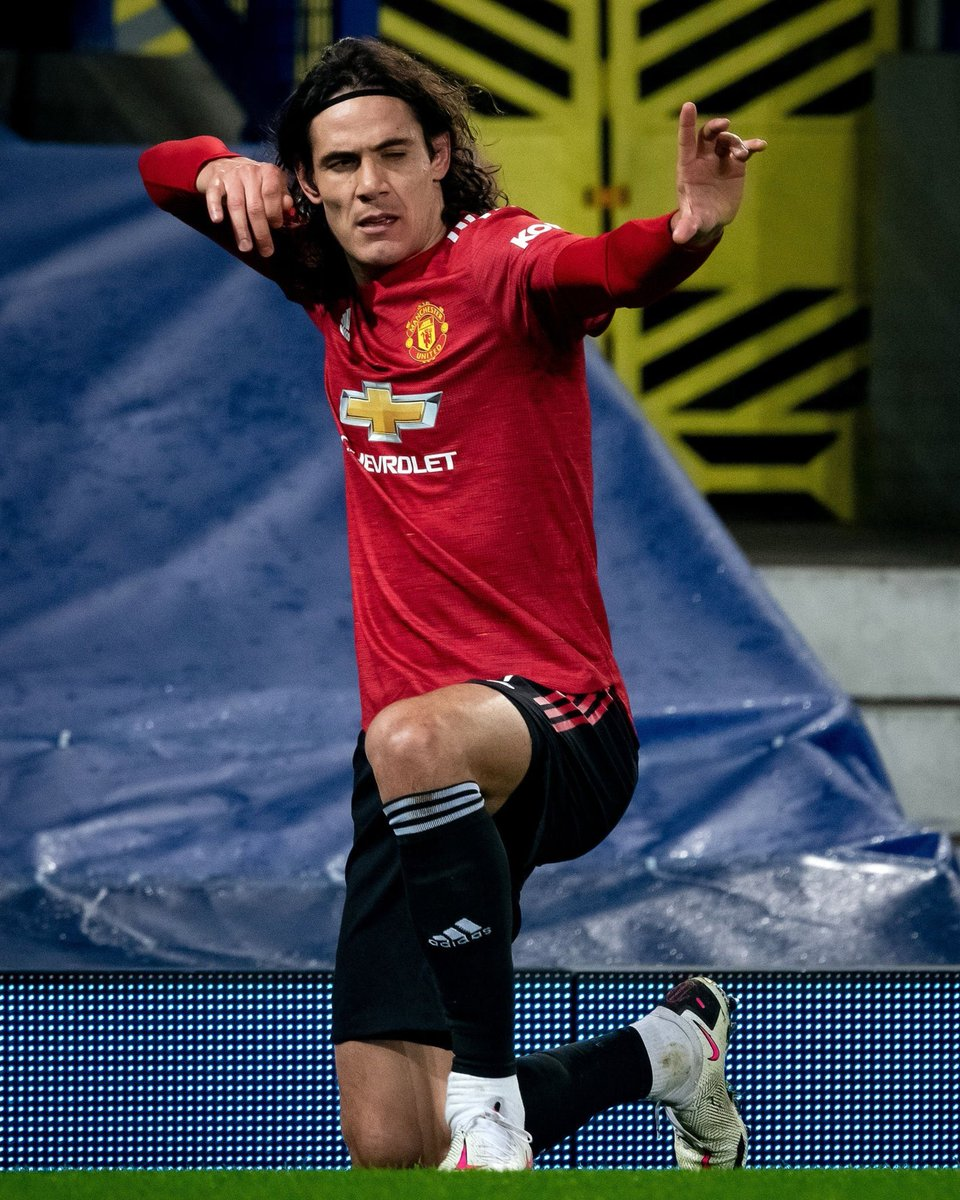 "Edinson Cavani: ""On many occasions, there are lots of strikers who score goals from more static positions.""  ""The ball comes to them, they can finish well, and they score goals."" #ManUtd #MUFC"