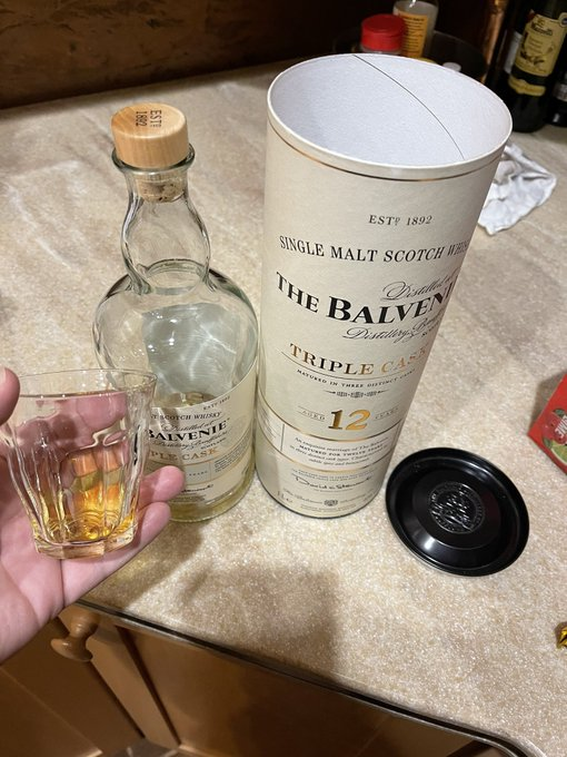 Smothered my sub, made him lick my pussy and ass - now having some whiskey. What are y'all up to tonight