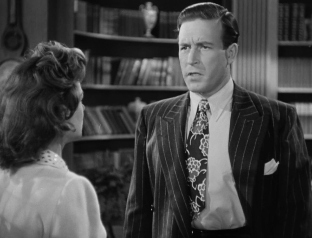 was Lawrence Tierney reading his dialogue off cards because his eye line is going all over the place except to Trevor and it's driving me up the wall #NoirAlley #BornToKill #tcmparty