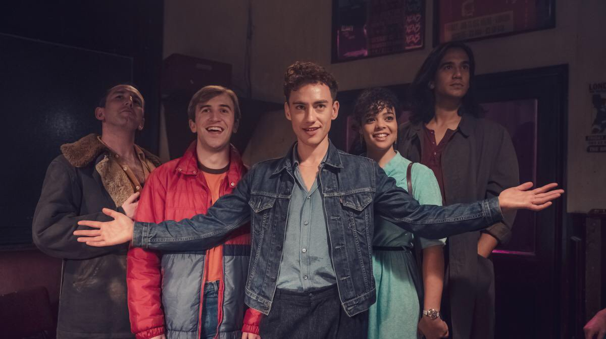 Just watched all of #ItsASin & am devastated. So many memories brought to life. Terrific ensemble @alexander_olly #LydiaWest #CallumScottHowells @nathancurtis90 #OmariDouglas & @Misskeeleyhawes just stunning in E5. Thank you @russelldavies63 🏳️🌈👏👏👏👏