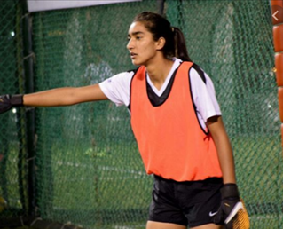 #AfshanAshiq is the captain of #Kashmir's Women's #football team. She represented FC Kolhapur City in the 2019 Indian Women's League football competition. Afshan has participated in Indian Prime Minister #NarendraModi's initiative Fit India along with Virat Kohli. https://t.co/KS9OfZmhLi