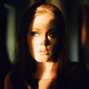 """Un día como hoy hace 10 años Adele lanza '21' el álbum #1 de todos los tiempos, el álbum más vendido del siglo XXl logrando 31M de copias alrededor del mundo. Con 3 singles número #1 """"Rolling in the Deep"""" como el principal, ganó la aclamación de cítricos llevándose siete #GRAMMYs"""