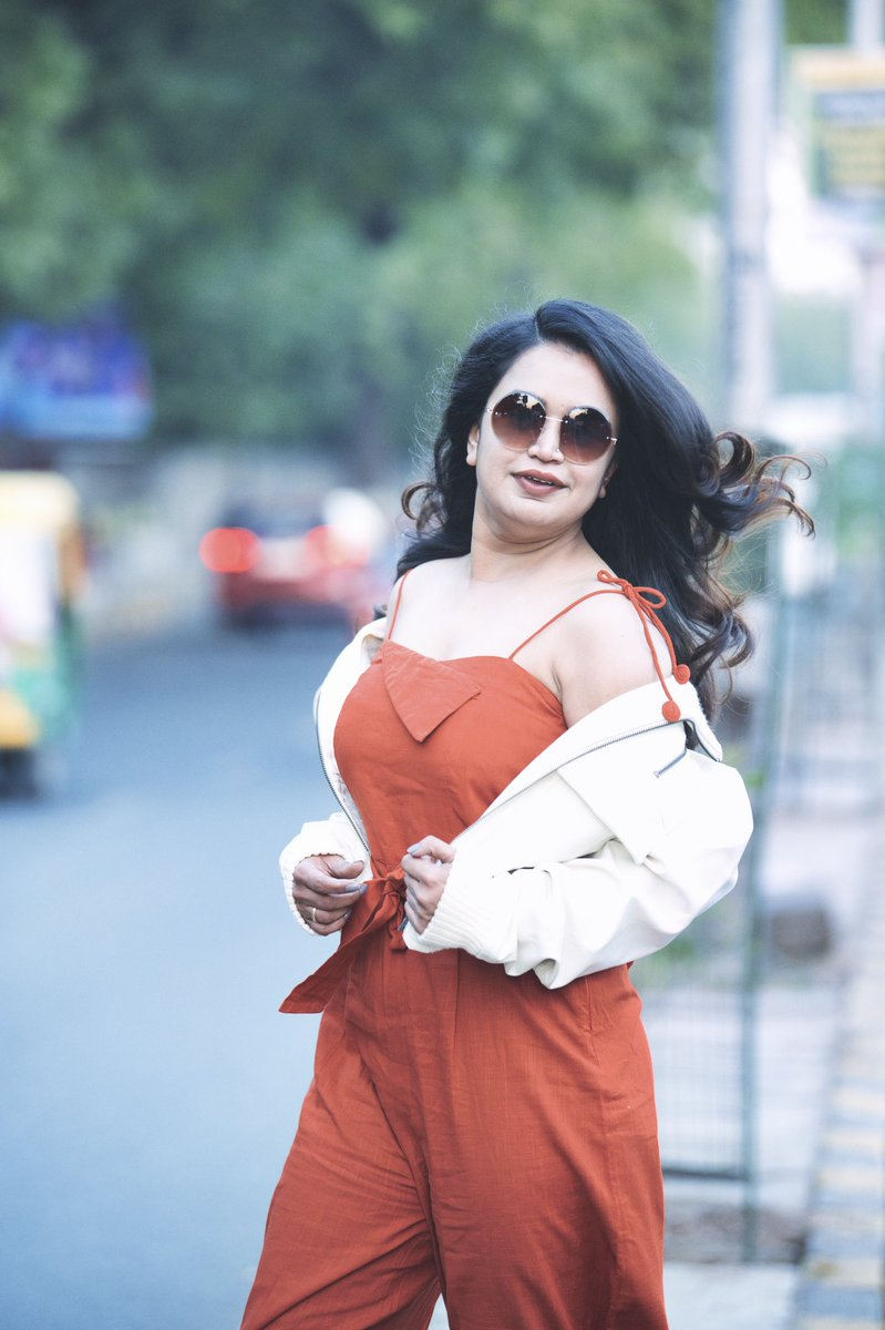 Suggest Local locations for photo shoot in #ahmedabad. These we captured at #iimahmedabad road.  Captured by : @saggijosh   #orange #swag #winter #throwback #weekend #confidence #innerbeauty #indianbeauty #iimroad #ahmedabad #gujjugirl #riyagajjar #photographylovers