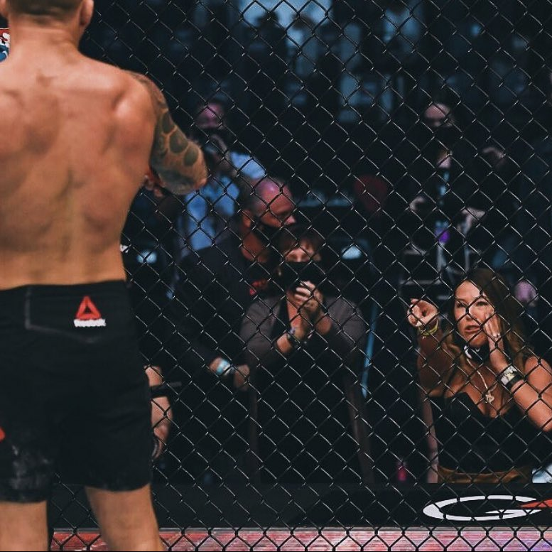This is pretty fucking awesome  shoutout to Dustin and Jolie Poirier #UFC257 https://t.co/lWG5t48HIY