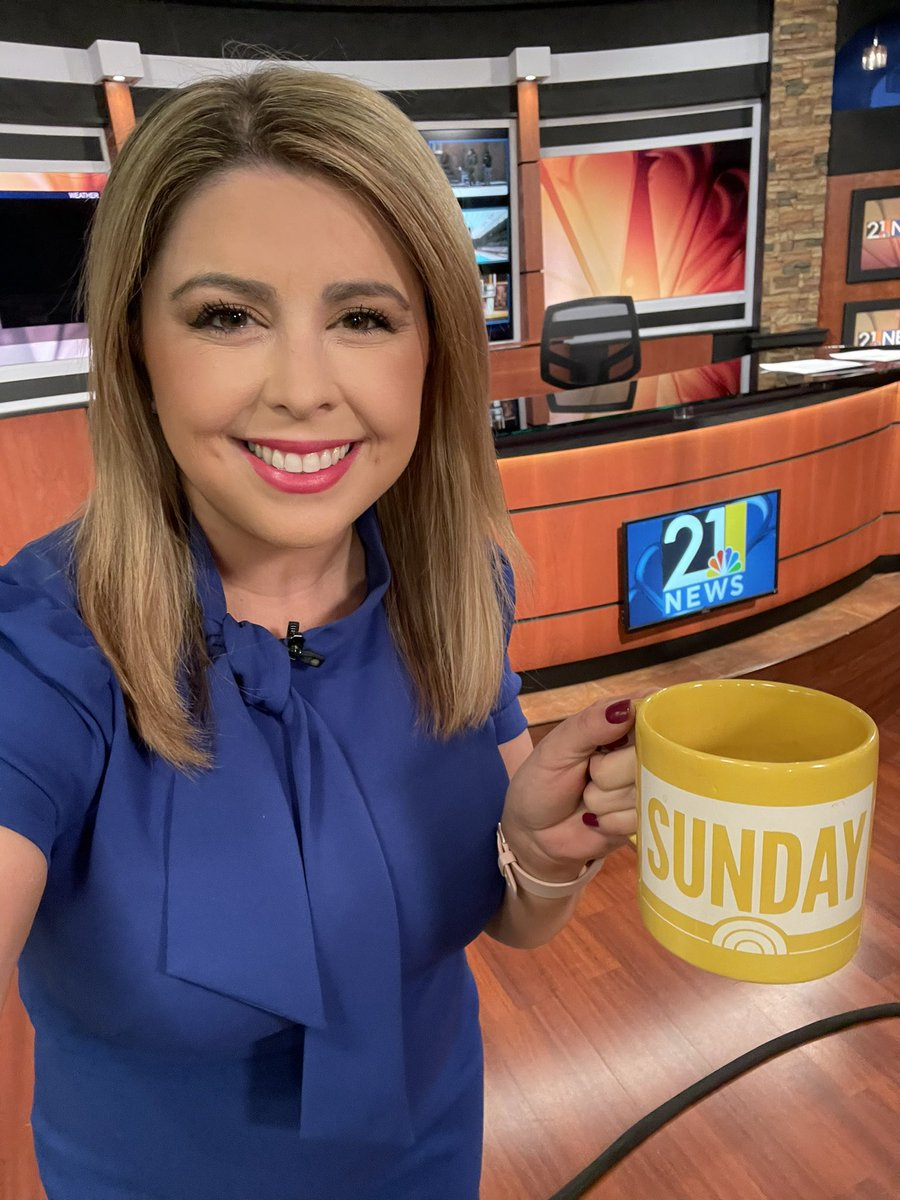 Hi 🙋🏼♀️ hoping this coffee kicks in 🥱 See you at 9 a.m. on @wfmjtoday #SundayFunday #SundayMorning ☀️