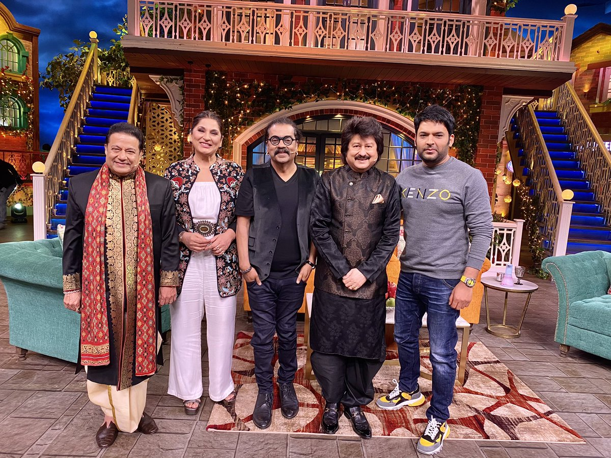 Tonight Sangeet Ki Mehfil with legends on #TheKapilSharmaShow at 9.45PM  @KapilSharmaK9 @SingerHariharan @Pankajkudhas @anupjalota  #KapilSharma #TKSS