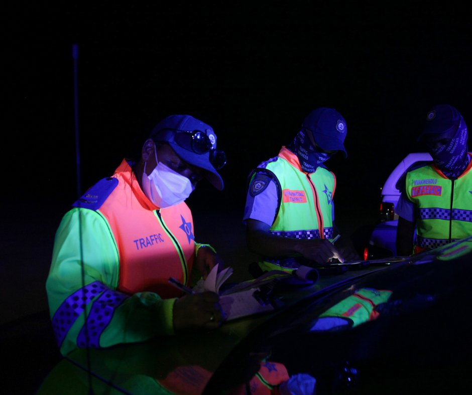 Our Traffic Law Enforcement and Road Safety Management teams on the N1 Sonstraal, conducting one of the ongoing road safety operations taking place tonight.   #SafeRoadsForAll are possible if we work together. #PropsForCops #SafelyHome #NowhereToHide #FestiveSeason