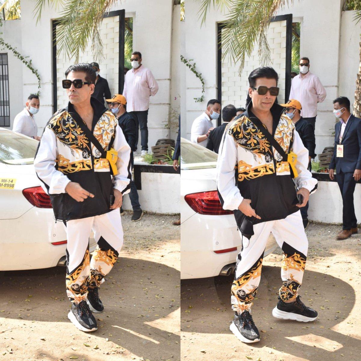 Karan Johar #snapped at @varundvn 's wedding venue at Alibaugh 😍😍😍 #bollywood #bollywoodactor #bollywoodceleb #bollywoodnews #karanjohar #varundhawan #handsome #wedding #celebration